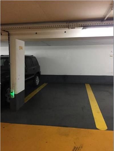 Location garage, parking Paris 17E - 210€
