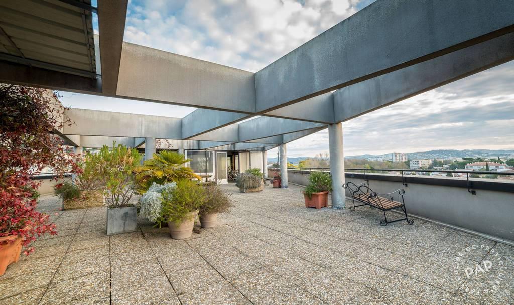 Vente et location Bureaux, local professionnel Mandelieu-La-Napoule (06210) 200m² 820.000€