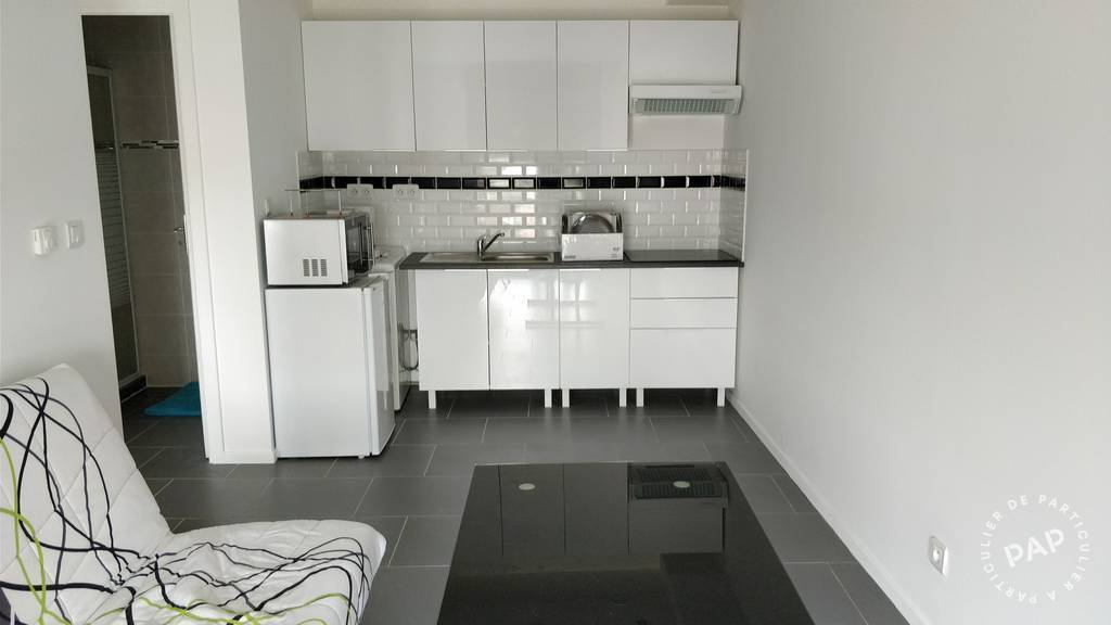 location meubl e appartement 2 pi ces 30 m nanterre. Black Bedroom Furniture Sets. Home Design Ideas