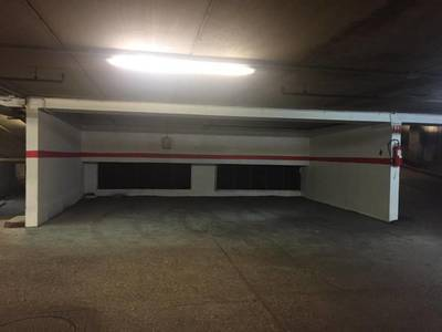 Location garage, parking Paris 9E - 145 €