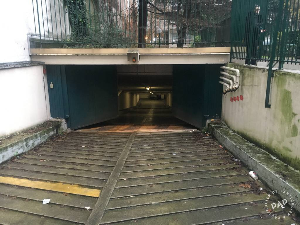 Location garage parking paris 6e 300 de particulier for Location box garage particulier