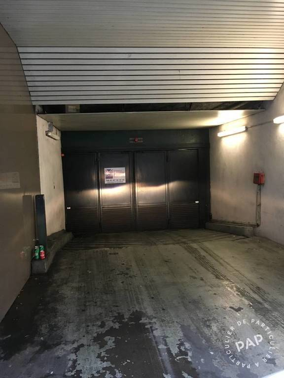 Garage, parking Paris 6E 265 €