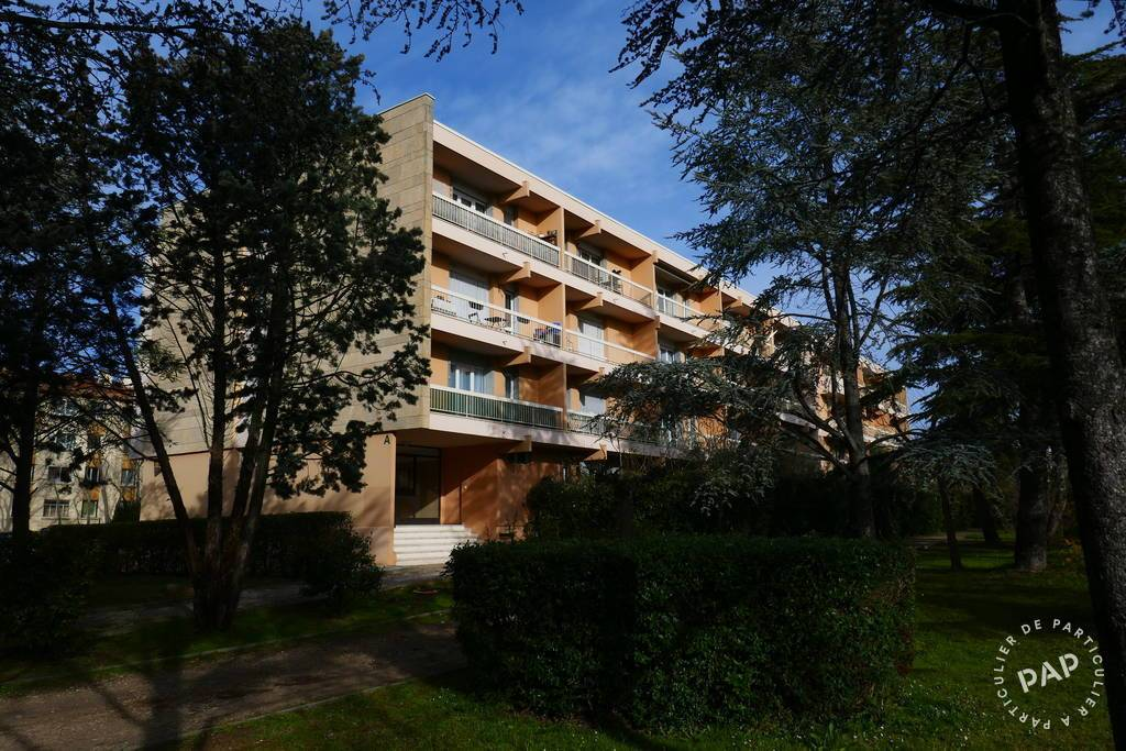 location meubl e appartement 2 pi ces 32 m aix en provence 13 32 m 630 de. Black Bedroom Furniture Sets. Home Design Ideas