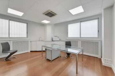 Local commercial Paris 16E - 99 m² - 3.673 €