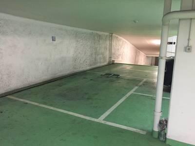 Location garage, parking Paris 9E - 180€