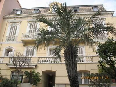 Location appartement 2pièces 60m² Menton (06500) - 1.090€