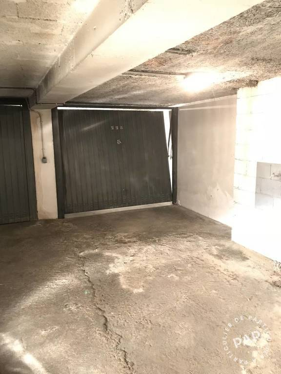 Location garage parking paris 15e 200 de for Location box garage particulier