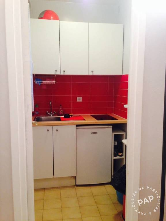 Location meubl e studio 26 m paris 18e 26 m 890 for Location meuble paris particulier
