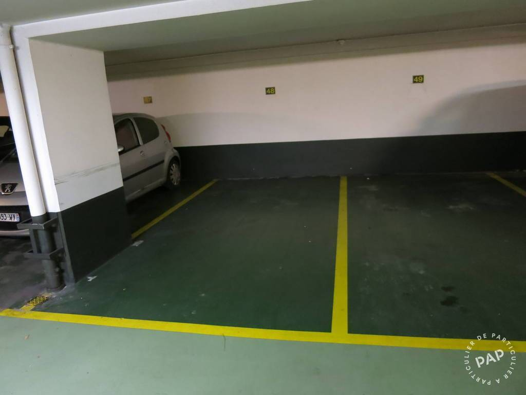 Location garage parking paris 17e 180 de for Location de garage