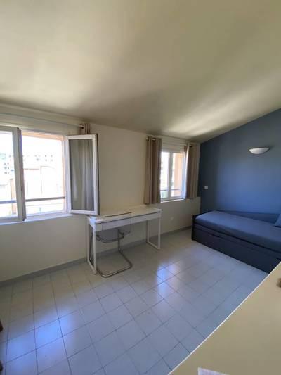 location studio aix en provence toutes les annonces de location studio aix en provence 13. Black Bedroom Furniture Sets. Home Design Ideas