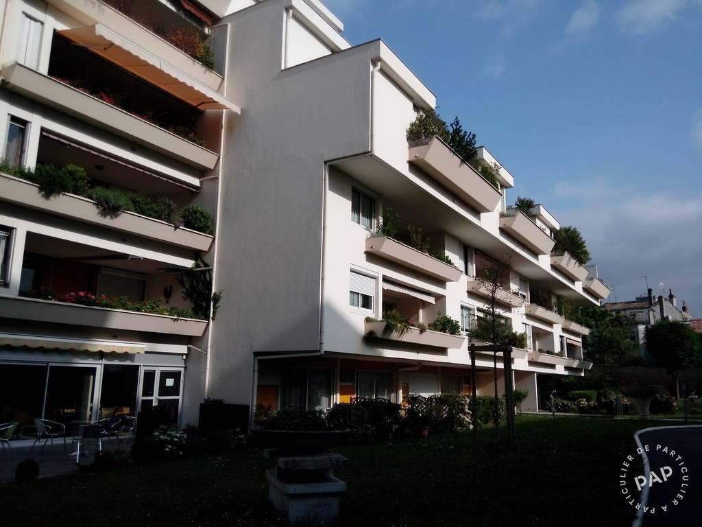 Location r sidence avec services 55 m bordeaux 33 55 for Residence location bordeaux