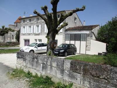 Vente maison 290m² Saint-Georges-Des-Coteaux (17810) - 250.000€