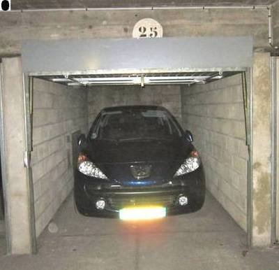 Location garage, parking Paris 17E - 230 €