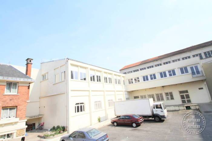 Location Local d'activité Ivry-Sur-Seine (94200) 300m² 3.700€