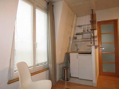 Location meublée studio 17m² Paris 17E - 900€