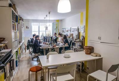 Location bureaux et locaux professionnels maison avec garage ou