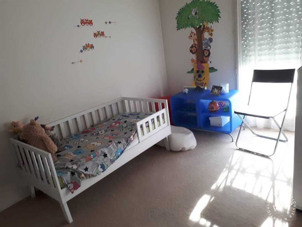 location appartement 4 pi ces 99 m levallois perret 92300 99 m de particulier. Black Bedroom Furniture Sets. Home Design Ideas