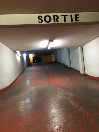 Garage, parking Paris 11E 66.000 €