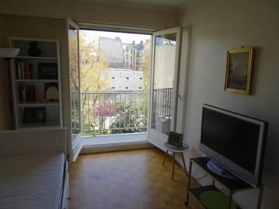 Location meublée studio 33m² Paris 17E - 990€