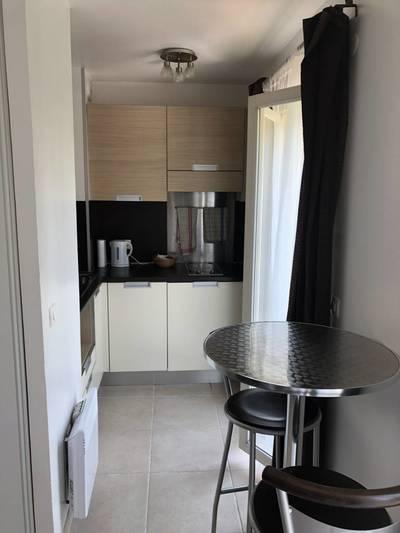 Location meublée studio 17m² Valbonne (06560) - 450€