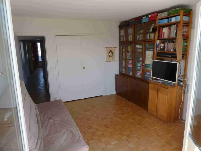 vente appartement 4 pi ces 93 m nanterre 92000 93 m de particulier. Black Bedroom Furniture Sets. Home Design Ideas