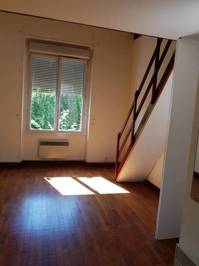 Location studio 25 m² Evry (91000) - 580 €