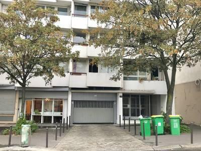 Location garage, parking Paris 10E - 150€