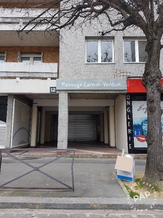 Location Local commercial 82m²