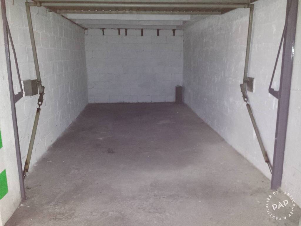 Location garage parking paris 12e 140 de for Location box garage particulier
