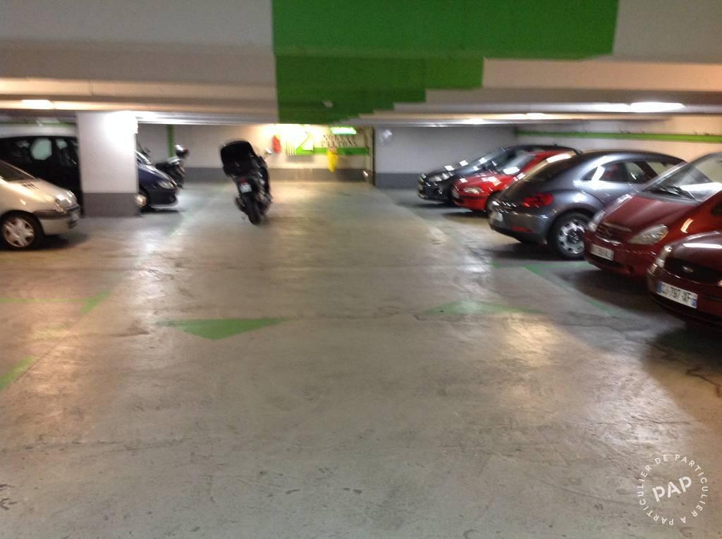 Location garage parking paris 18e 155 de for Garage paris 18e