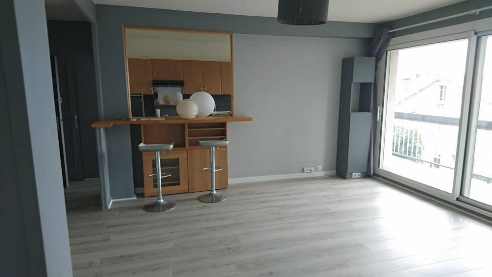 vente appartement 3 pi ces 68 m clermont ferrand 63 68 m de particulier. Black Bedroom Furniture Sets. Home Design Ideas