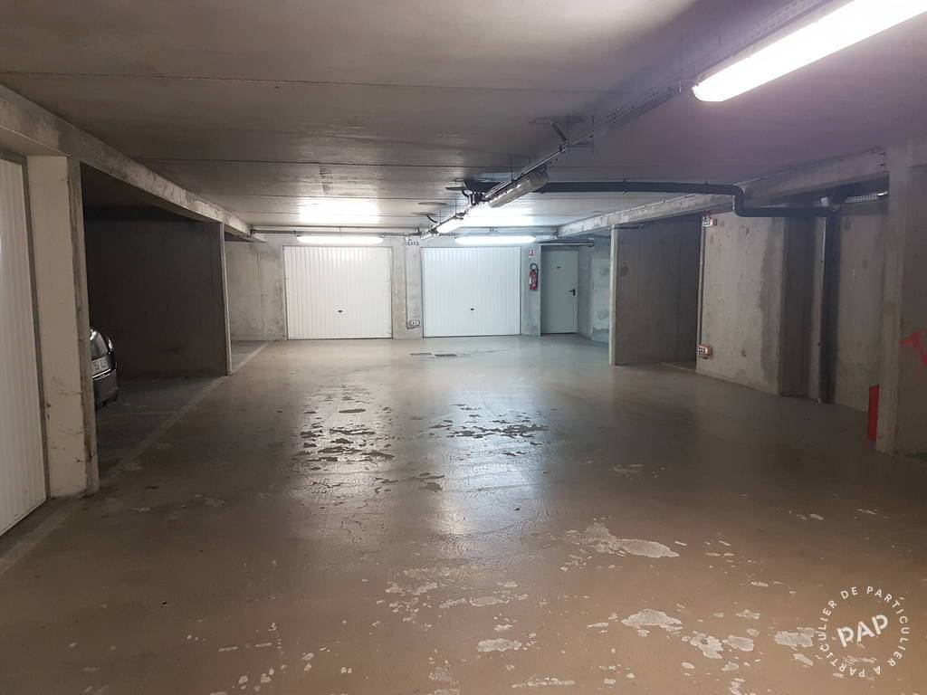Location garage parking montreuil 93100 85 de for Garage 2000 montreuil