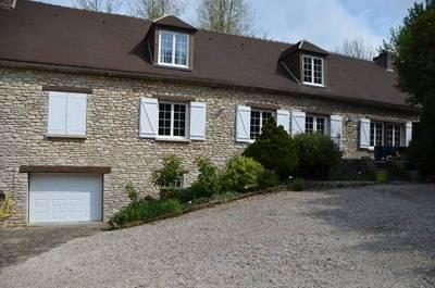 Location meublée maison 220m² Duvy (60800) - 2.200€