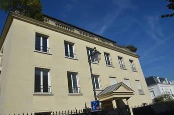 Location appartement 3pièces 87m² Asnieres-Sur-Seine (92600) - 2.300€