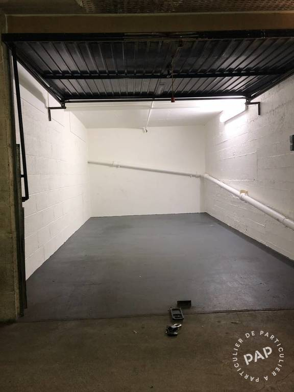 Location garage parking paris 11e 200 de for Location box garage particulier