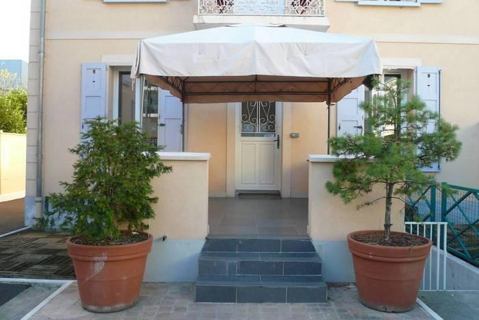 Location Appartement Avec Sous Sol 50M² 75m² 2.200€