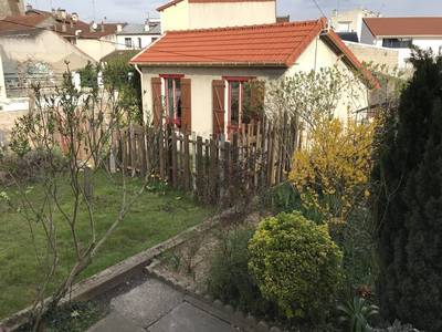 Location maison 49 m² Saint-Denis (93) - 1.270 €