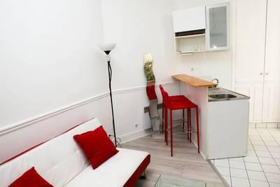 Location meublée studio 19m² Paris 17E - 850€