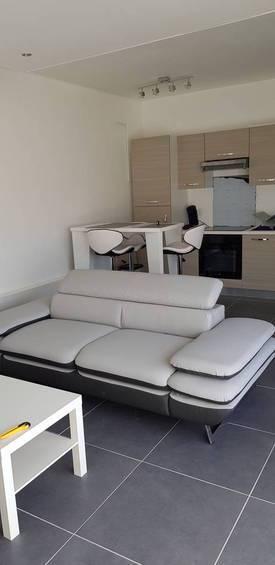 Location meublée chambre 9m² Marseille 4E - 420€