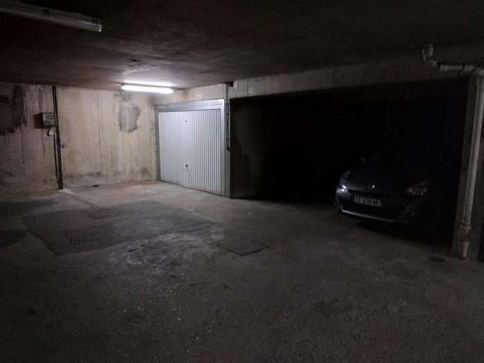 Vente garage parking 16 m paris 15e 16 m for Garage automobile paris 16