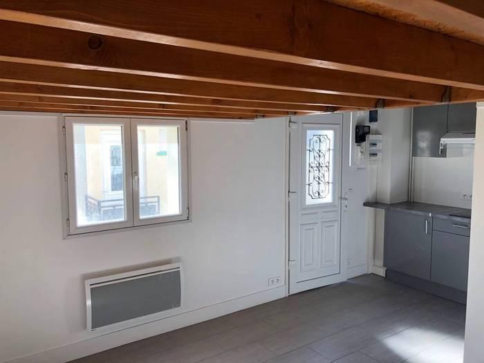 location studio 29 m montreuil 29 m 830 de particulier particulier pap. Black Bedroom Furniture Sets. Home Design Ideas