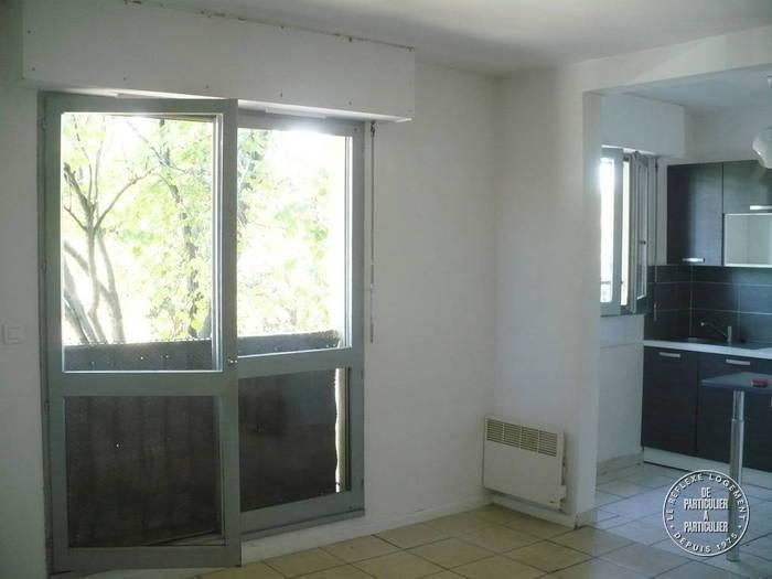 vente studio 30 m marseille 9e 30 m de particulier particulier pap. Black Bedroom Furniture Sets. Home Design Ideas
