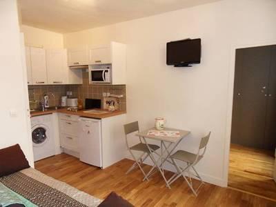 Location meublée appartement 2pièces 27m² Paris 18E - 929€