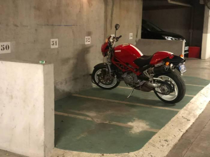 Garage, parking Issy-Les-Moulineaux (92130) 39€