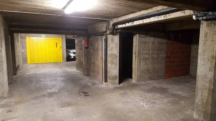 Location garage parking paris 17e 185 de particulier particulier pap - Location garage paris 15 ...