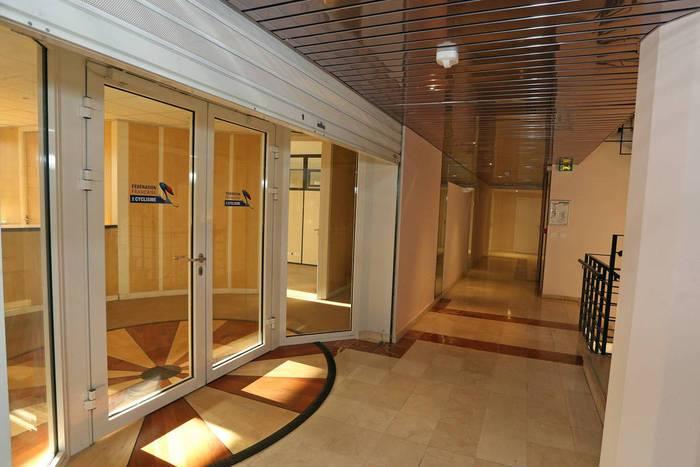 Bureaux, local professionnel Rosny-Sous-Bois (93110) 2.000€
