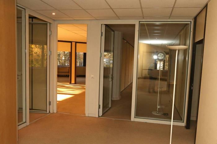 Bureaux, local professionnel 2.000€ 326m² Rosny-Sous-Bois (93110)