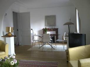 Location meublée appartement 3pièces 57m² Paris 15E - 1.700€