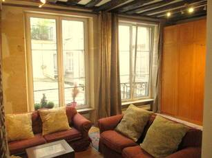 Location meublée appartement 3pièces 62m² Paris 4E - 2.150€