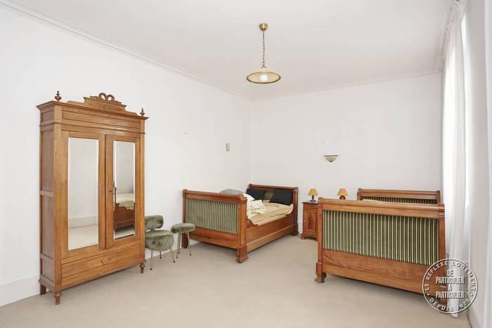 vente maison 290 m nevers 290 m de. Black Bedroom Furniture Sets. Home Design Ideas